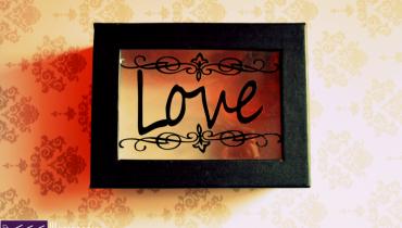 Pudełko z napisem love