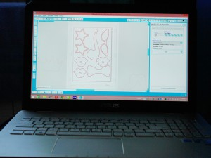 foto budka gadżety diy - ploter silhouette curio