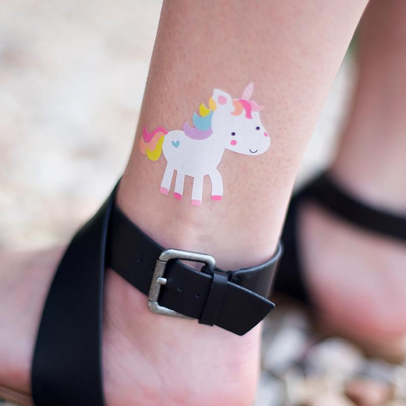 Biała folia do tatuaży