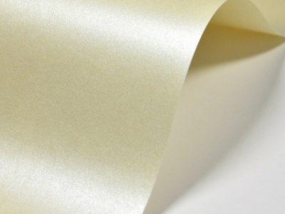 papier perlowy bezowy